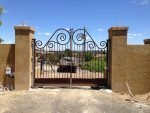 Automatic-swing-gate-in-wrought-iron-(2)