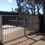 Vertical-blade-driveway-gates